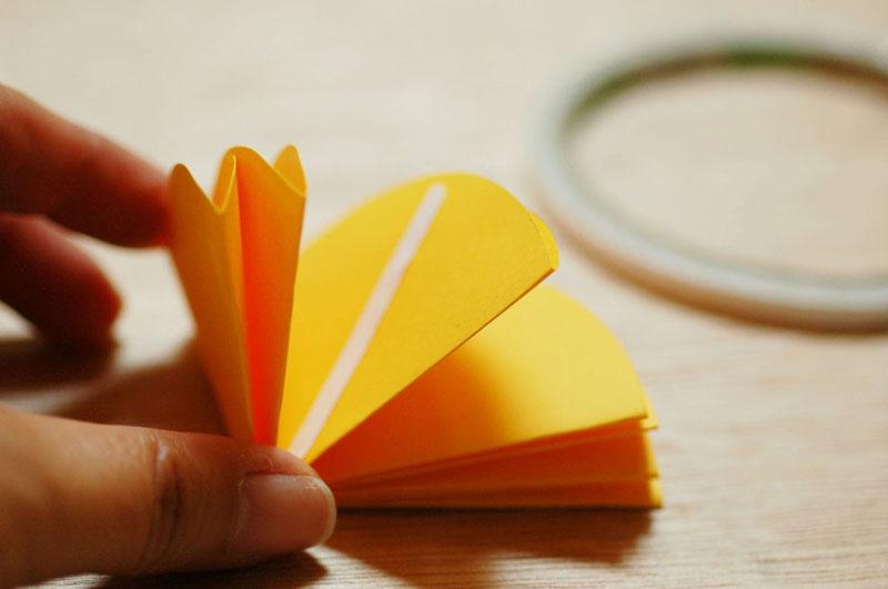 Hướng dẫn cách làm ô giấy treo cửa sổ 5