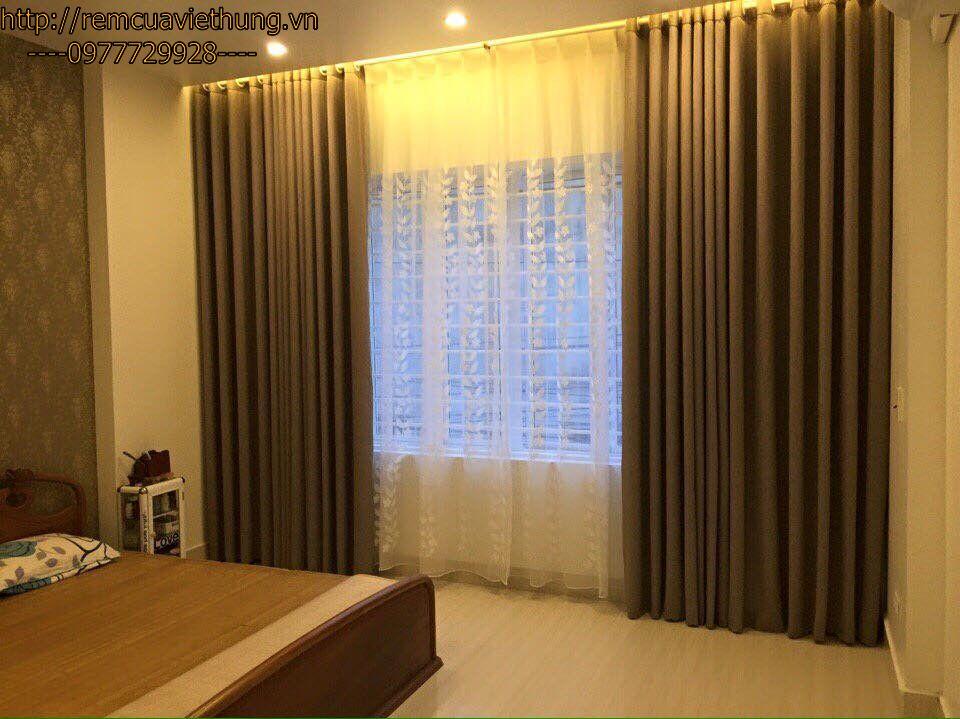 Không gian nhà cùng với rèm cửa