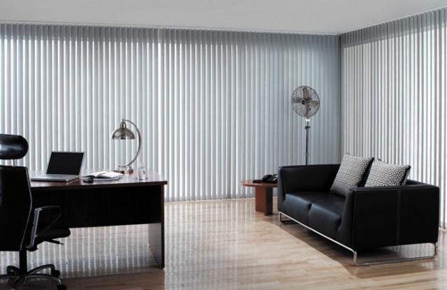 Rèm lá dọc phù hợp với không gian văn phòng